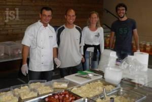 Organisez une vente à emporter de choucroute ou de paella (suivant saison) sur pré-commande