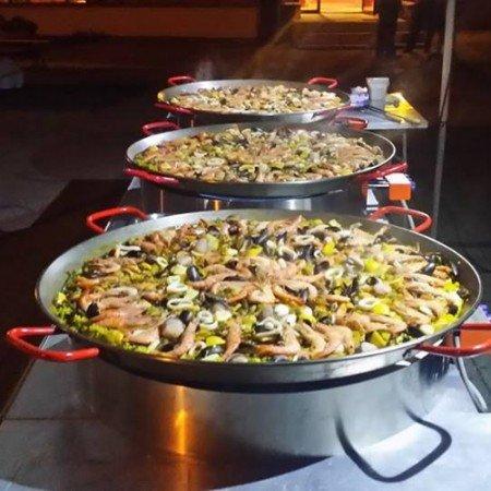 Paella géante® à domicile livrée à votre charge